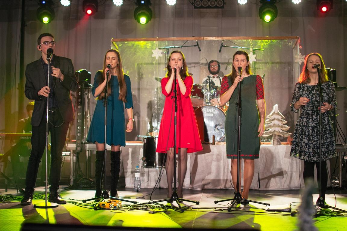 Výťažok z Benefičného vianočného koncertu Terasa pre Ukrajinu opäť pomôže utečeneckým rodinám