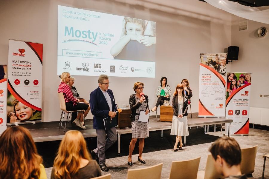 Konferencia Mosty k rodine 2018 v Košiciach priniesla inovatívny prístup k starostlivosti o deti a rodiny v ohrození