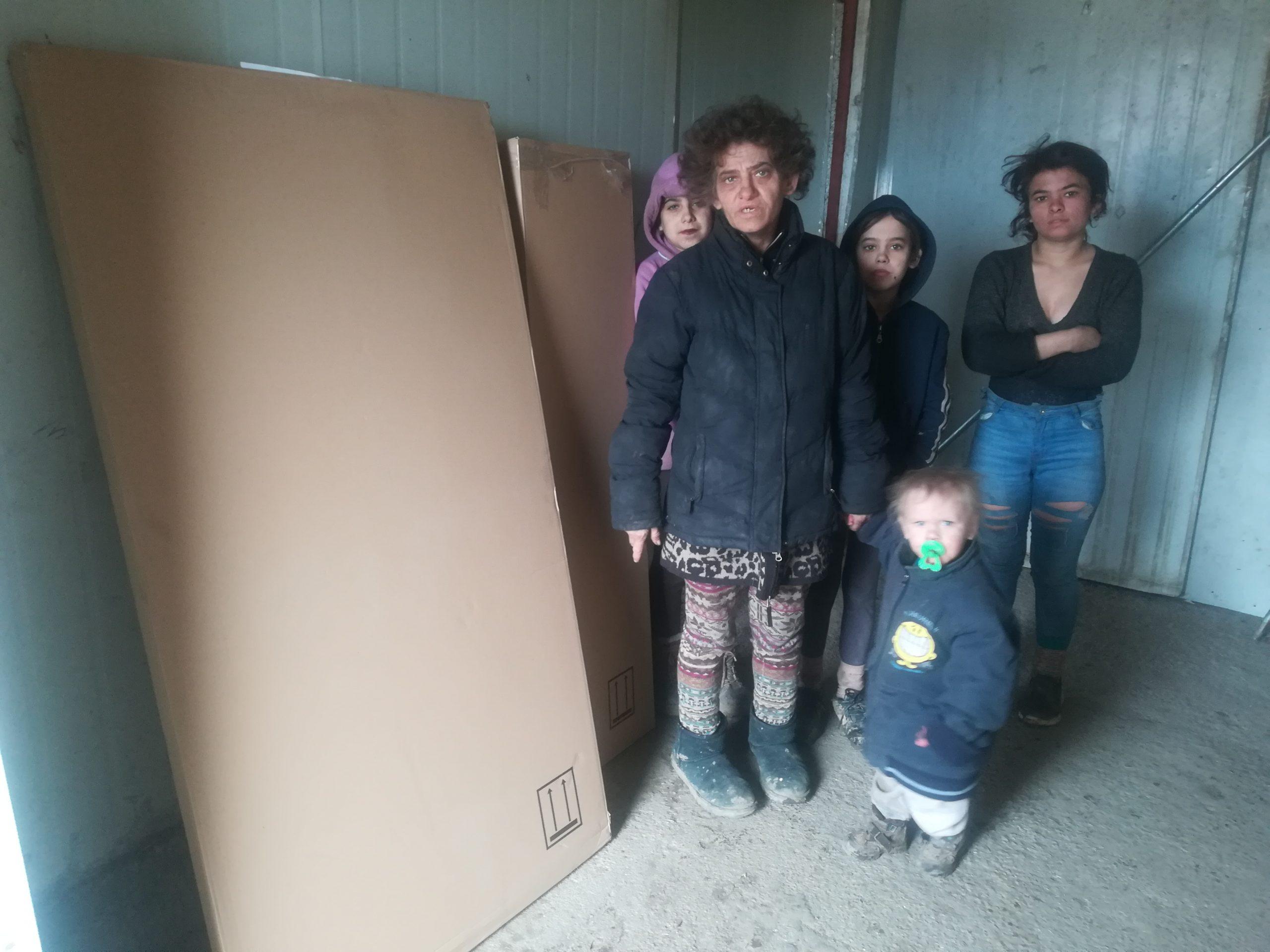 pomoc rodine v nudzi 2
